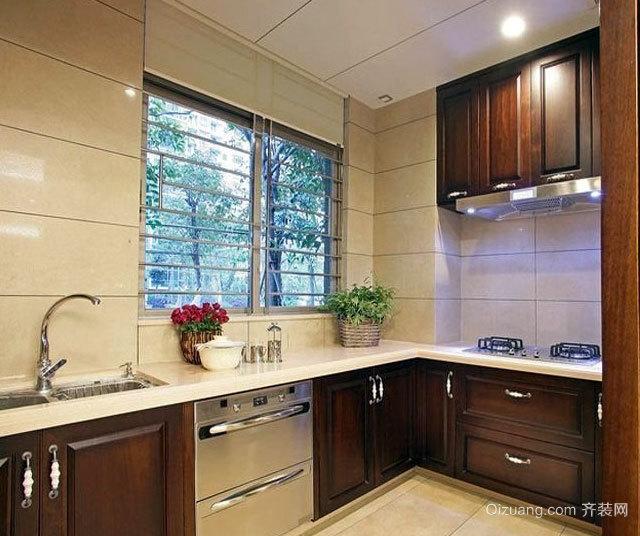 2015收置归纳用餐工具的精美厨房橱柜装修效果图