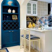 厨房简约白色吧台装饰