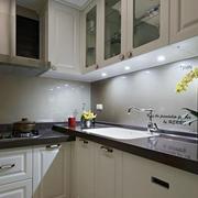 欧式简约L型厨房设计