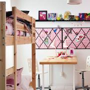 儿童房简约风格原木床布置