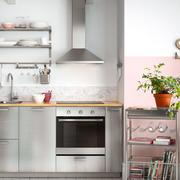 后现代风格钢化厨房装饰