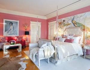 欧式艺术气息卧室背景墙装饰