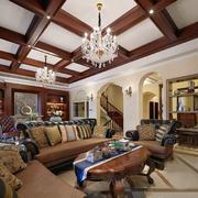 美式别墅原木深色吊顶装饰