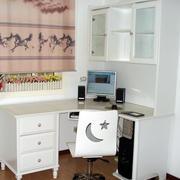 现代化电脑桌设计