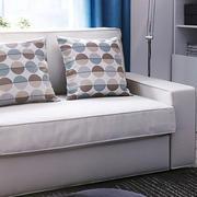 北欧风格客厅浅色沙发装饰