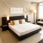 简约风格卧室床头手绘墙装修