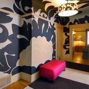 大型艺术客厅手绘墙设计