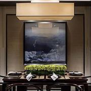 新中式新房餐厅深色桌椅装饰