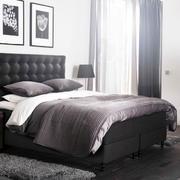 后现代风格卧室软包床头背景墙