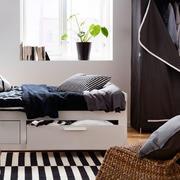 后现代风格卧室地毯装饰