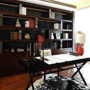 中式书房深色桌椅装饰
