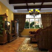 欧式原木深色客厅装修