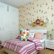 清新浅色儿童房床头背景墙