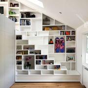 阁楼客厅整体橱柜装饰