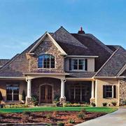 美式乡村风格农村两层尖顶房屋