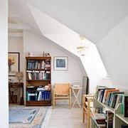 美式斜顶书房装饰