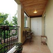 别墅木制阳台装饰