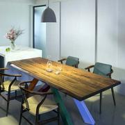美式原木餐厅浅色灯饰效果图