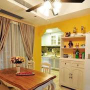 地中海风格原木浅色餐厅桌椅设计