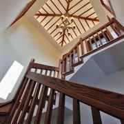 大型原木楼梯吊顶装饰