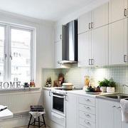 公寓简约一字型橱柜设计