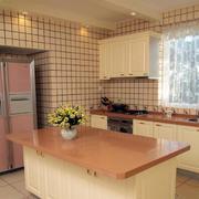 韩式清新浅色厨房吧台装修