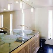 别墅卫生间镜饰装饰