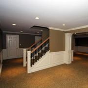 现代简约风格地下室楼梯装饰