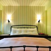 美式简约风格儿童房床头背景墙装饰