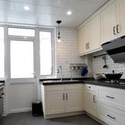 简约欧式浅色厨房设计