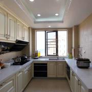 整体式L型厨房装饰
