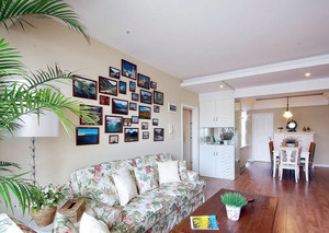 精美不规则形状的田园客厅照片墙装修设计效果图