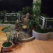 简约高层阳台盆栽布置