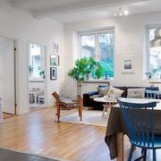 婚房简约风格客厅原木地板