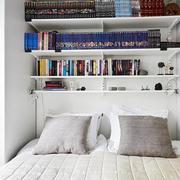 两室一厅卧室床头柜装饰