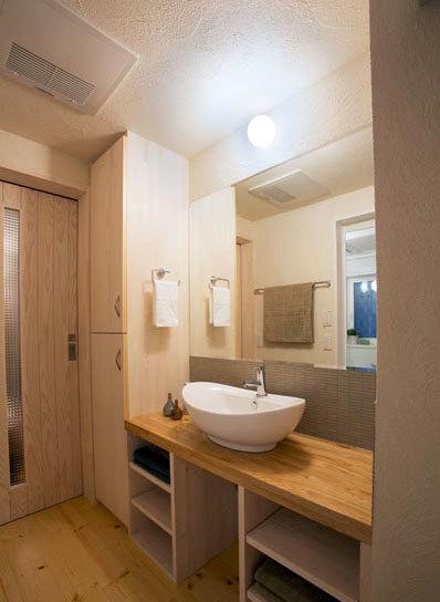 设计精细天然原木搭配的日式卫生间装修效果图