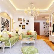 田园风格客厅照片墙设计