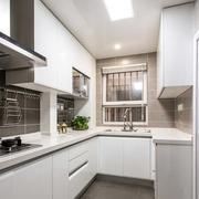 后现代风格L型厨房设计