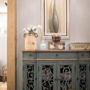 三室一厅玄关柜子装饰