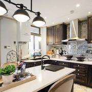 三室一厅厨房整体橱柜装饰