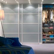 后现代风格卧室内嵌衣柜