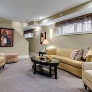 简约风格地下室客厅皮制沙发效果图