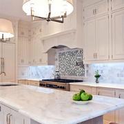 白色欧式奢华厨房橱柜装修
