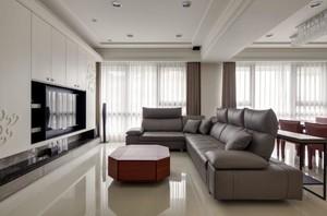 别墅客厅深色沙发装饰