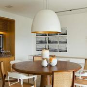 美式风格公寓餐桌大型灯饰装饰