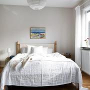 样板房原木卧室床饰装修