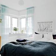 后现代风格白色飘窗装饰