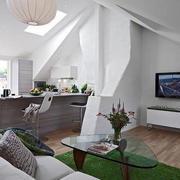 斜顶阁楼客厅设计