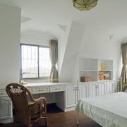 别墅斜顶卧室设计