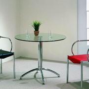 后现代风格玻璃圆桌装饰